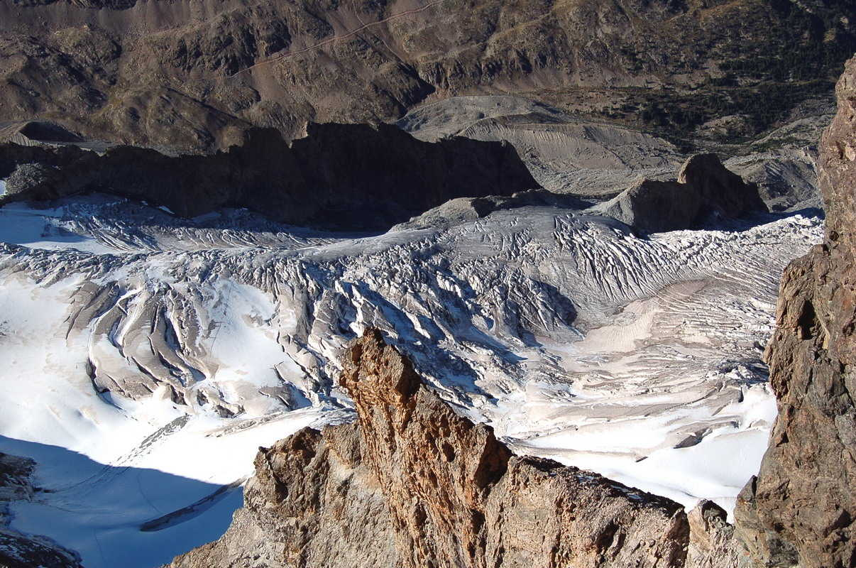 arête surplombant glacier de la Meije