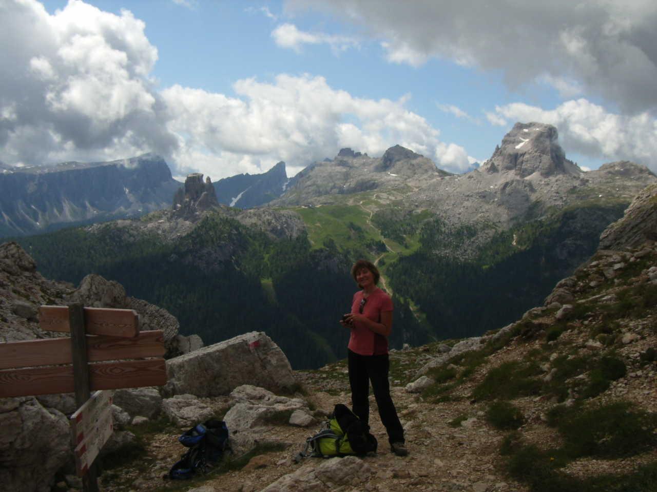 L'Averau, le Nuvolau, les 5 Torri (de d. à g.)