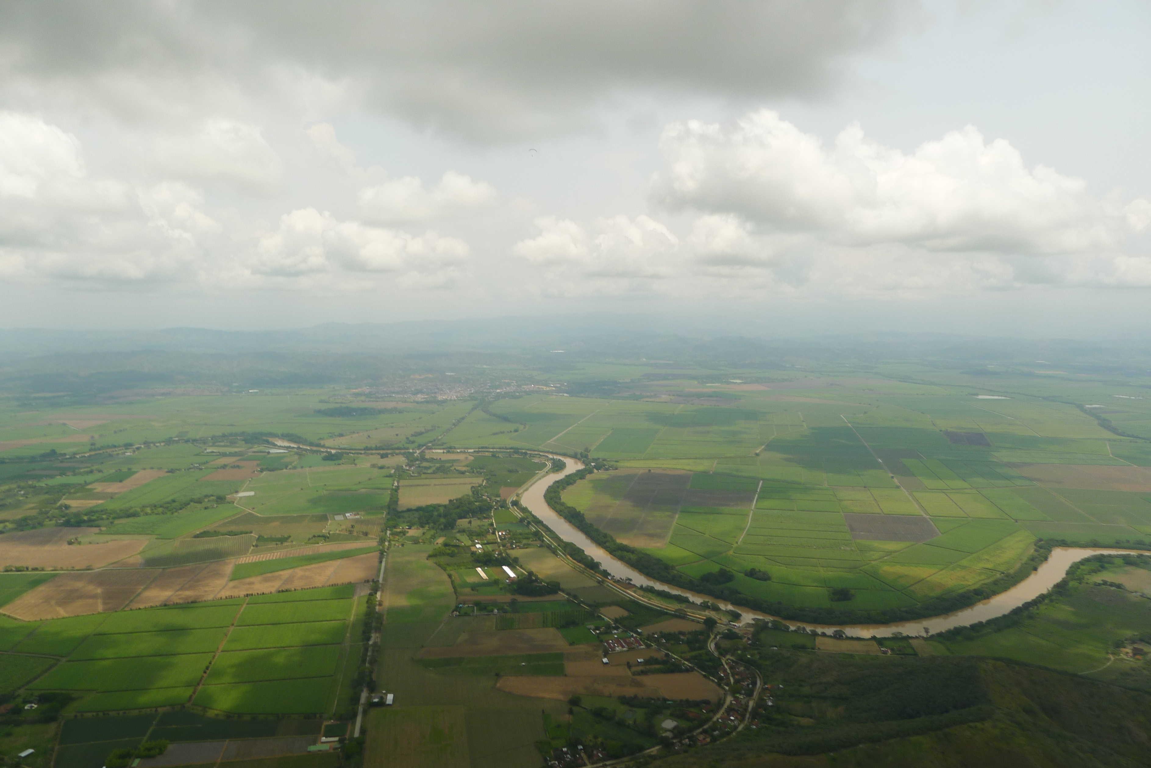 la plaine, bien allumée
